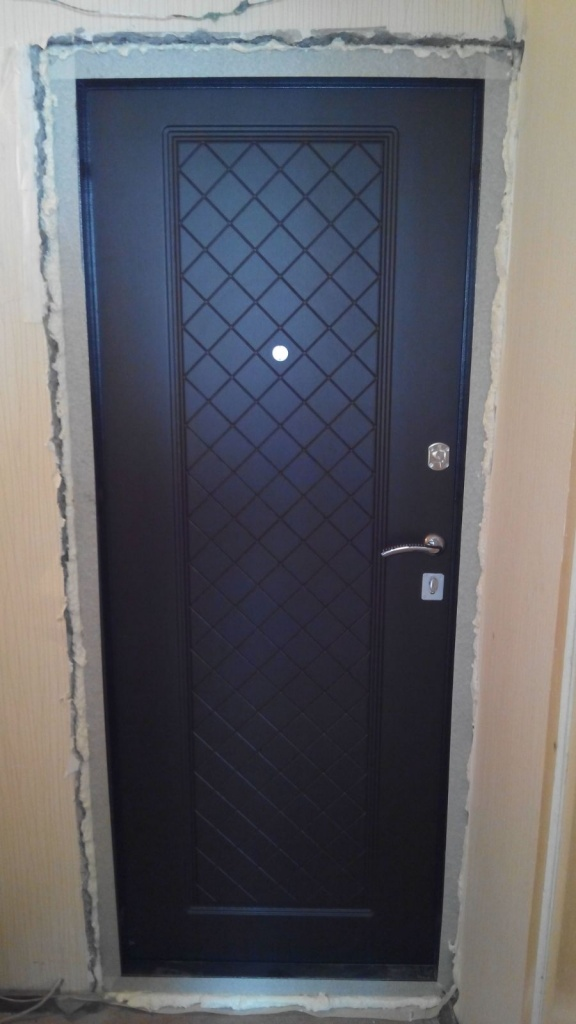 входные двери в городе дзержинский